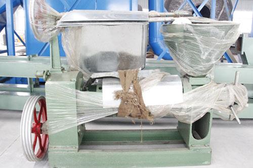 2th palm oil pressing machine transport to Monrovia, Liberia.